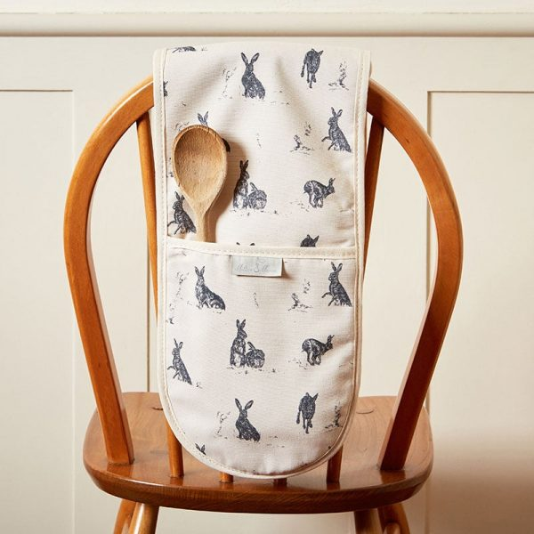 Milton and Manor Hare capers oven gloves