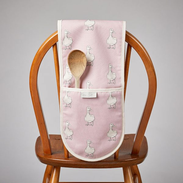 Milton and Manor Duck on Pink Oven Gloves