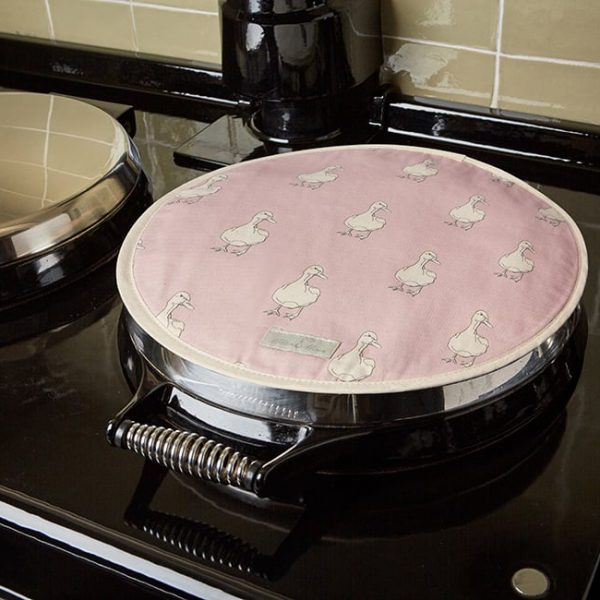 Milton and Manor Duck on Pink Aga Hob Mat