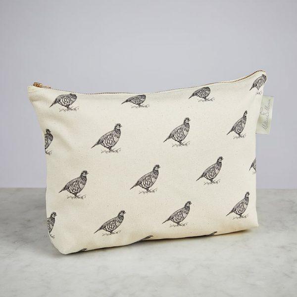 Milton & Manor Patridge Cosmetic Bag
